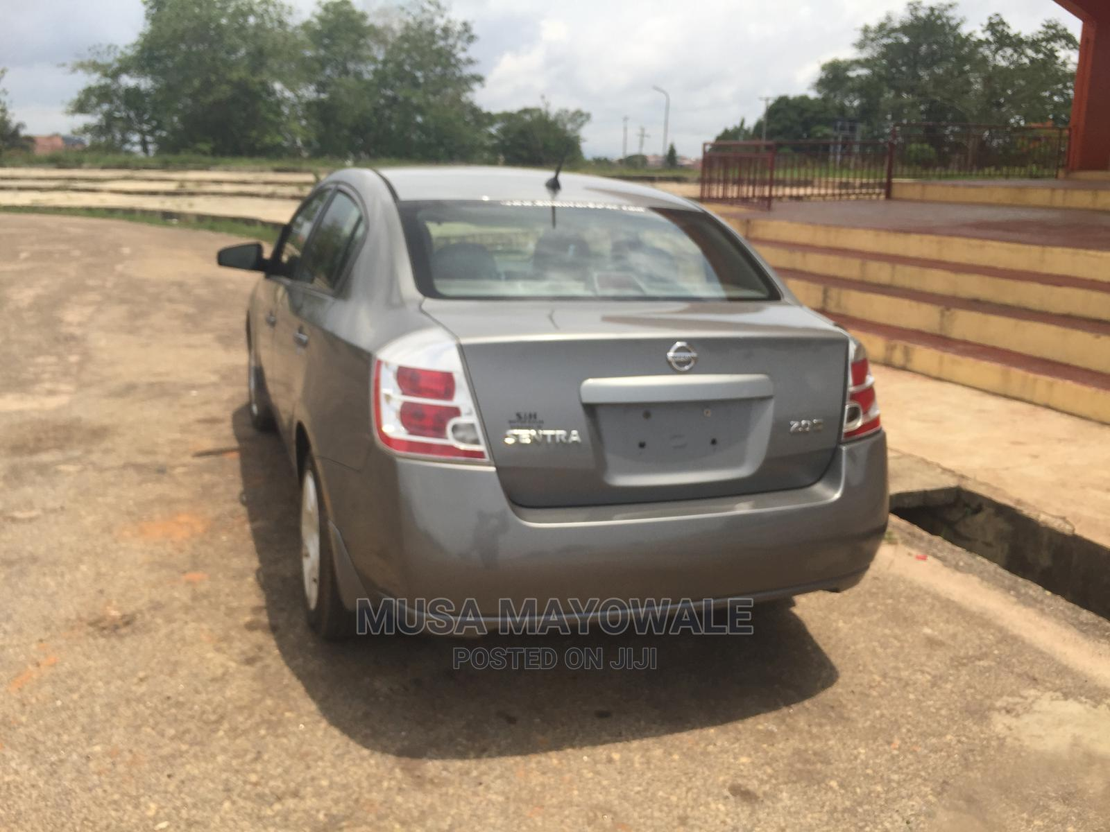 Archive: Nissan Sentra 2007 2.0 S Gray