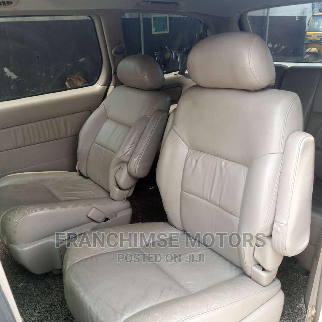 Archive: Toyota Sienna 1999 XLE Gray