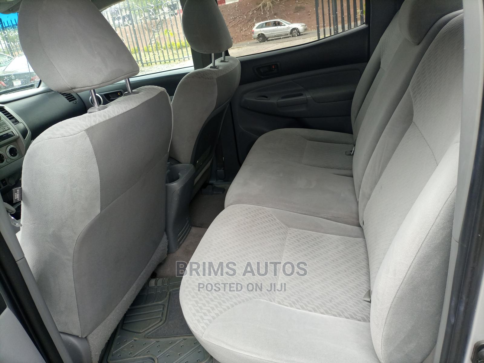 Archive: Toyota Tacoma 2010 Access Cab V6 Automatic Silver