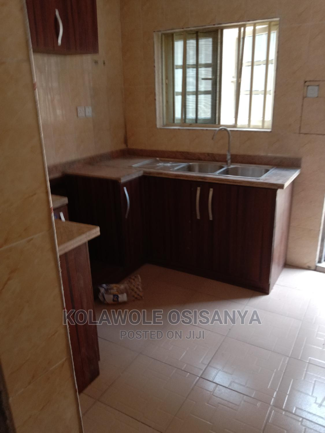 Archive: 3 Bedrooms Flat in Iyewo Estate, Iba / Ojo for Rent