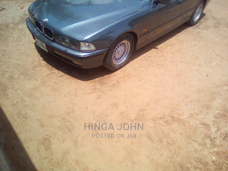 Archive: BMW 540i 2002 Gray