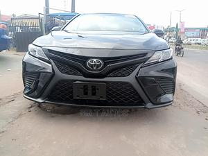 Toyota Camry 2018 SE FWD (2.5L 4cyl 8AM) Black | Cars for sale in Oyo State, Ibadan