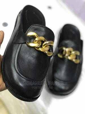 New Half Shoe Eith Big Gold Chain | Shoes for sale in Lagos State, Mushin