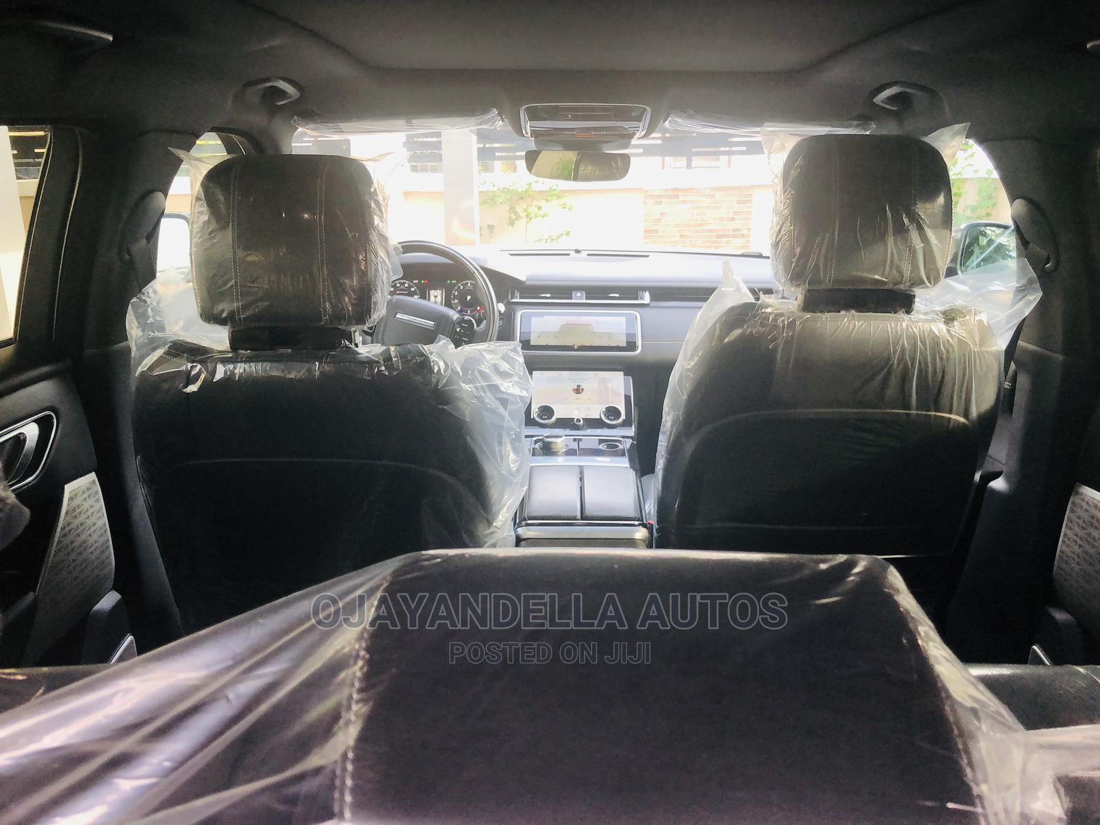 Archive: Land Rover Range Rover Velar 2018 Gray