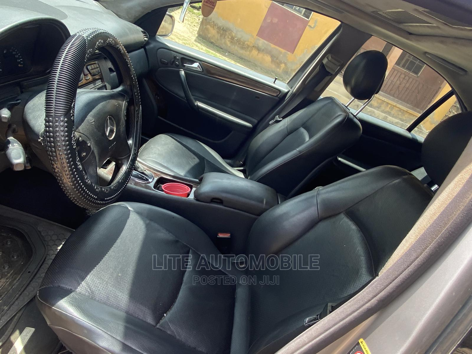 Mercedes-Benz C240 2005 Silver | Cars for sale in Ikotun/Igando, Lagos State, Nigeria