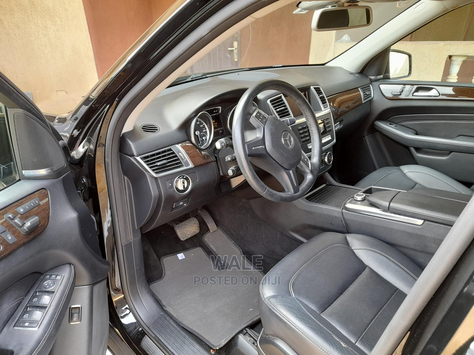 Archive: Mercedes-Benz M Class 2013 ML 350 4Matic Black