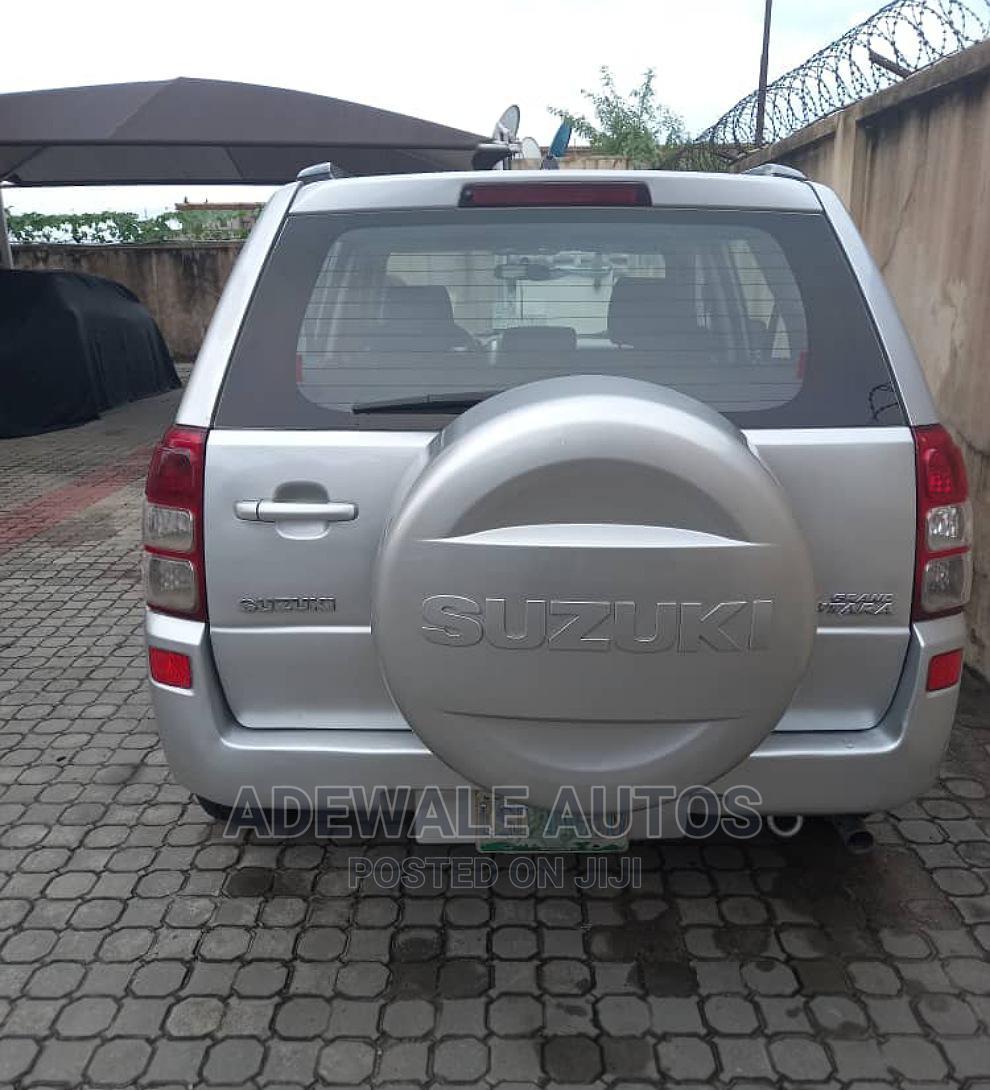 Archive: Suzuki Grand Vitara 2012 Silver
