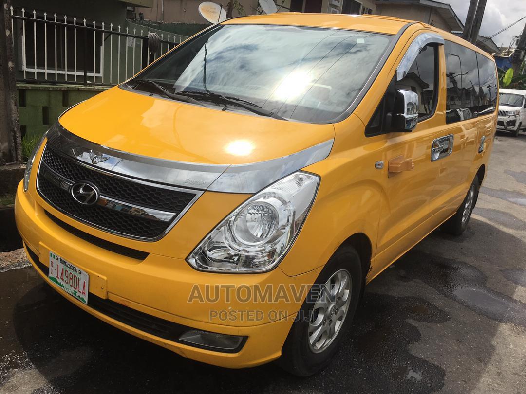 Hyundai Starex-Diesel 2011