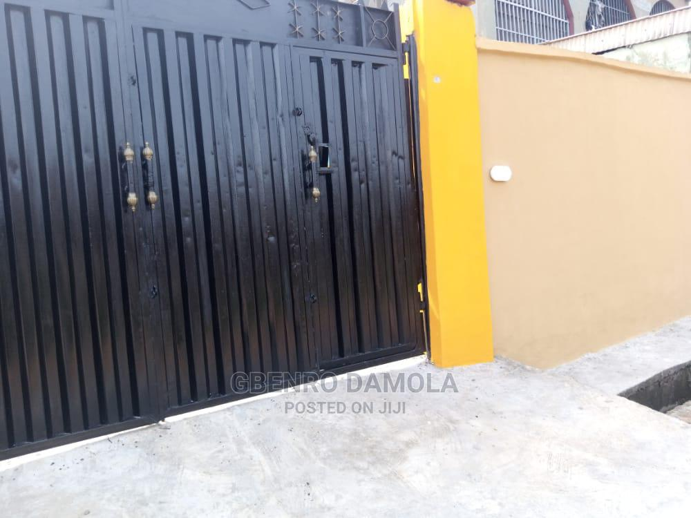 1 Bedroom Mini Flat for Rent Alimosho | Houses & Apartments For Rent for sale in Alimosho, Lagos State, Nigeria