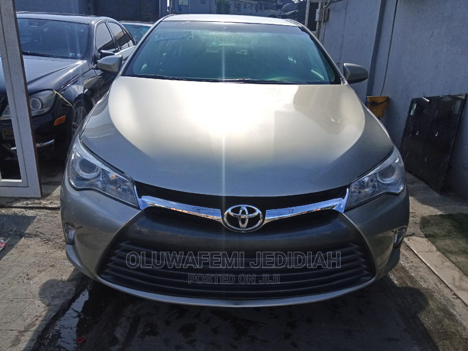 Toyota Camry 2015 Gold