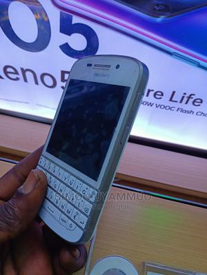 BlackBerry Q10 16 GB White | Mobile Phones for sale in Delta State, Oshimili South