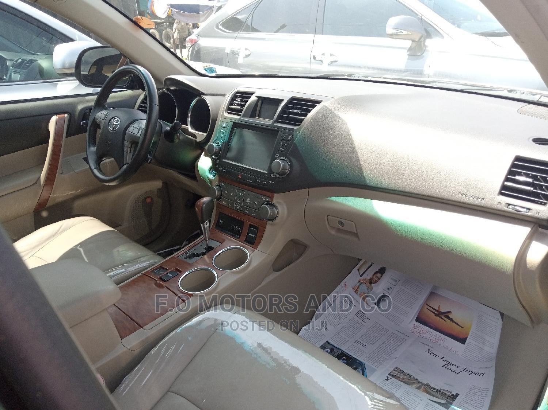 Archive: Toyota Highlander 2008 Limited 4x4 Black