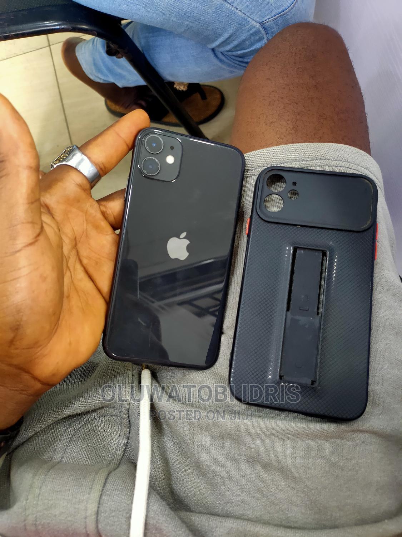 Apple iPhone 11 64 GB Gray