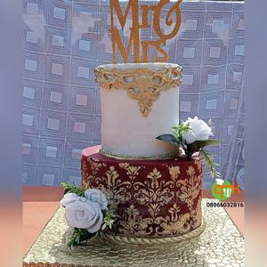 Wedding Cake - White and Gold | Meals & Drinks for sale in Oyo State, Oluyole