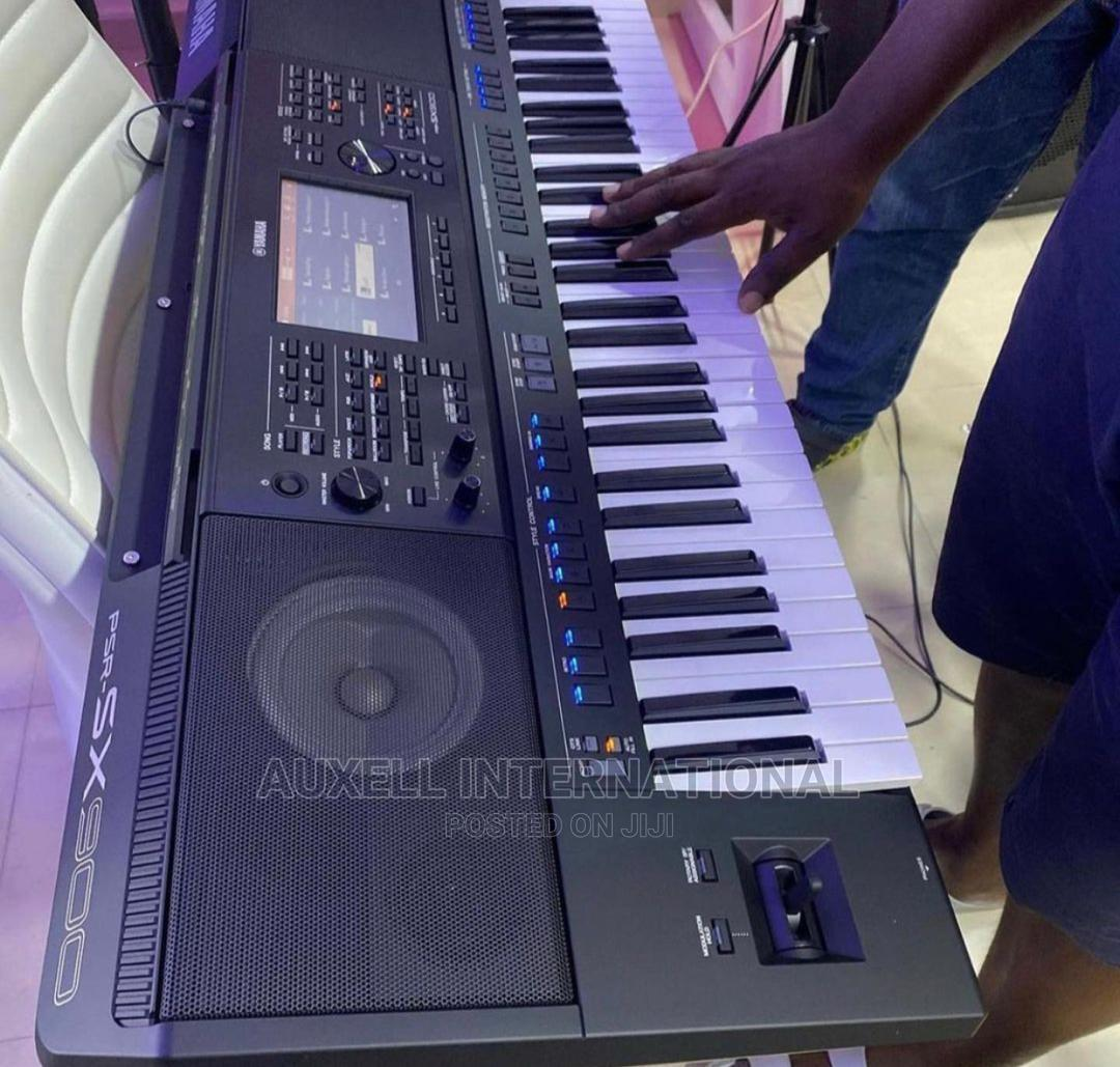 Yamaha PSR SX900 Keyboard   Musical Instruments & Gear for sale in Ojo, Lagos State, Nigeria