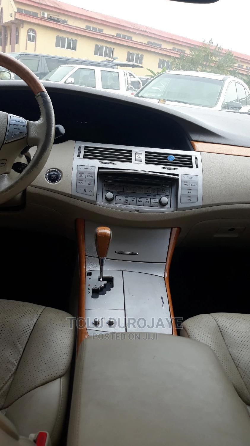 Toyota Avalon 2006 Limited White   Cars for sale in Ikotun/Igando, Lagos State, Nigeria