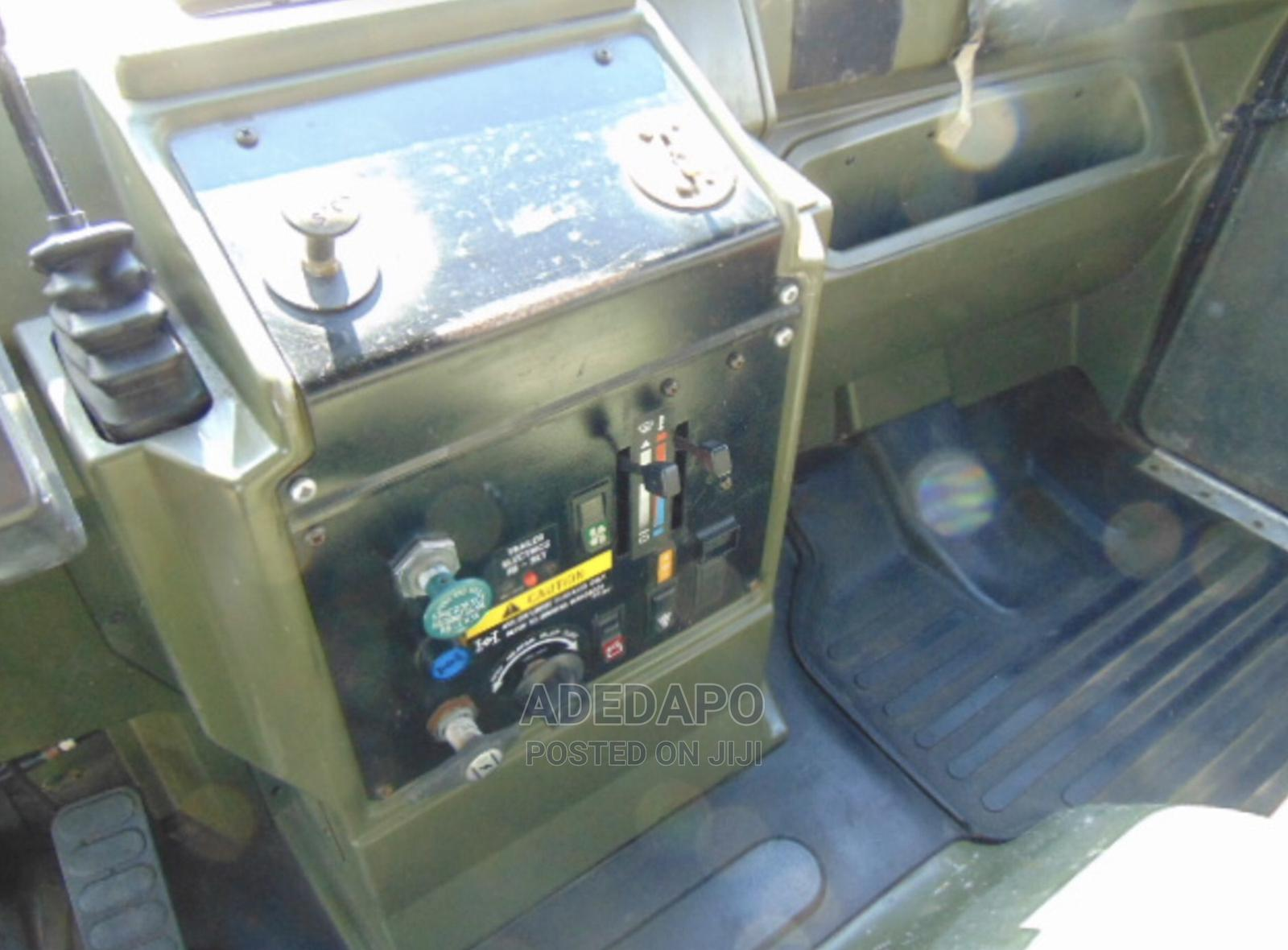 Archive: Leyland DAF 45/150 4 X 4 Fitted With Hydraulic