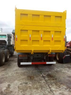Tokunbo Howo Sinotruck Dump Truck for Sale | Trucks & Trailers for sale in Lagos State, Lekki