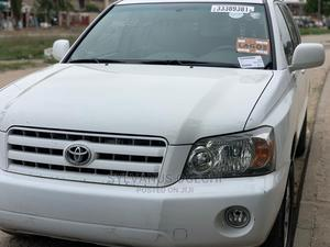 Toyota Highlander 2004 V6 AWD White   Cars for sale in Lagos State, Amuwo-Odofin