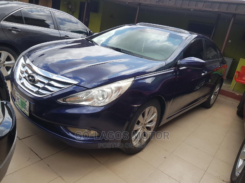 Archive: Hyundai Sonata 2010 Blue