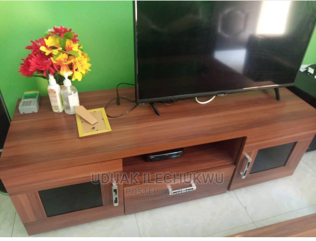 Bedmate TV Stand