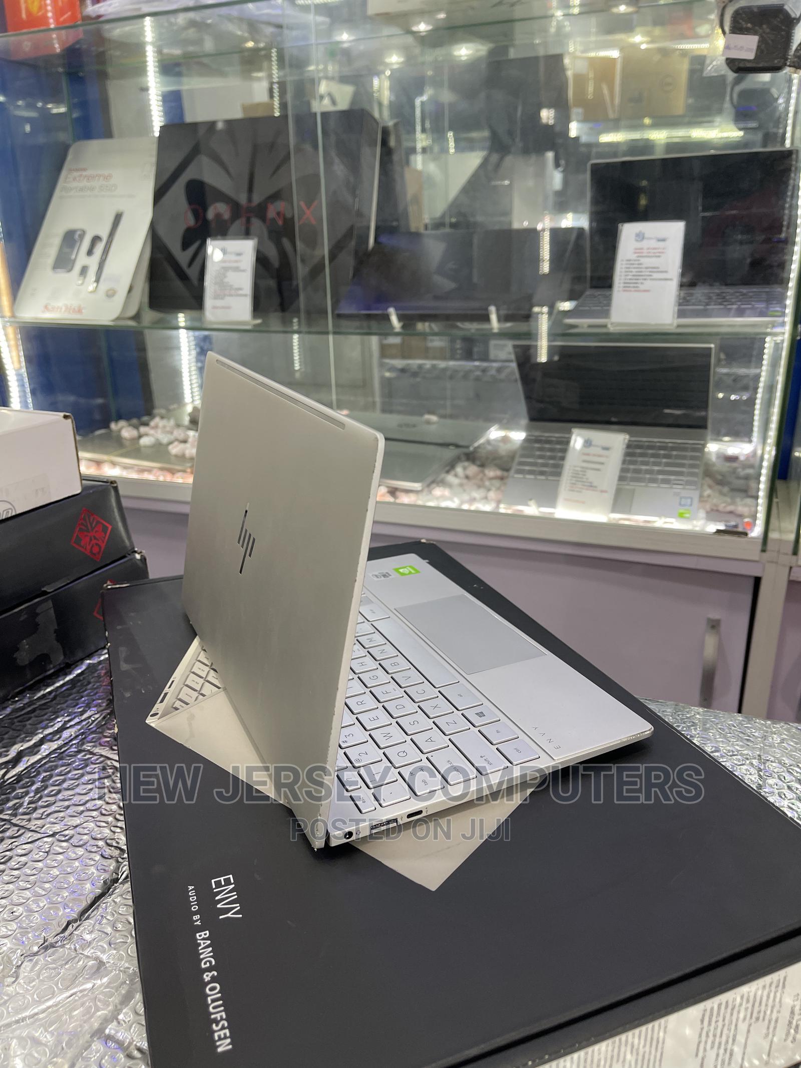Archive: Laptop HP Envy 13 16GB Intel Core I7 SSD 1T