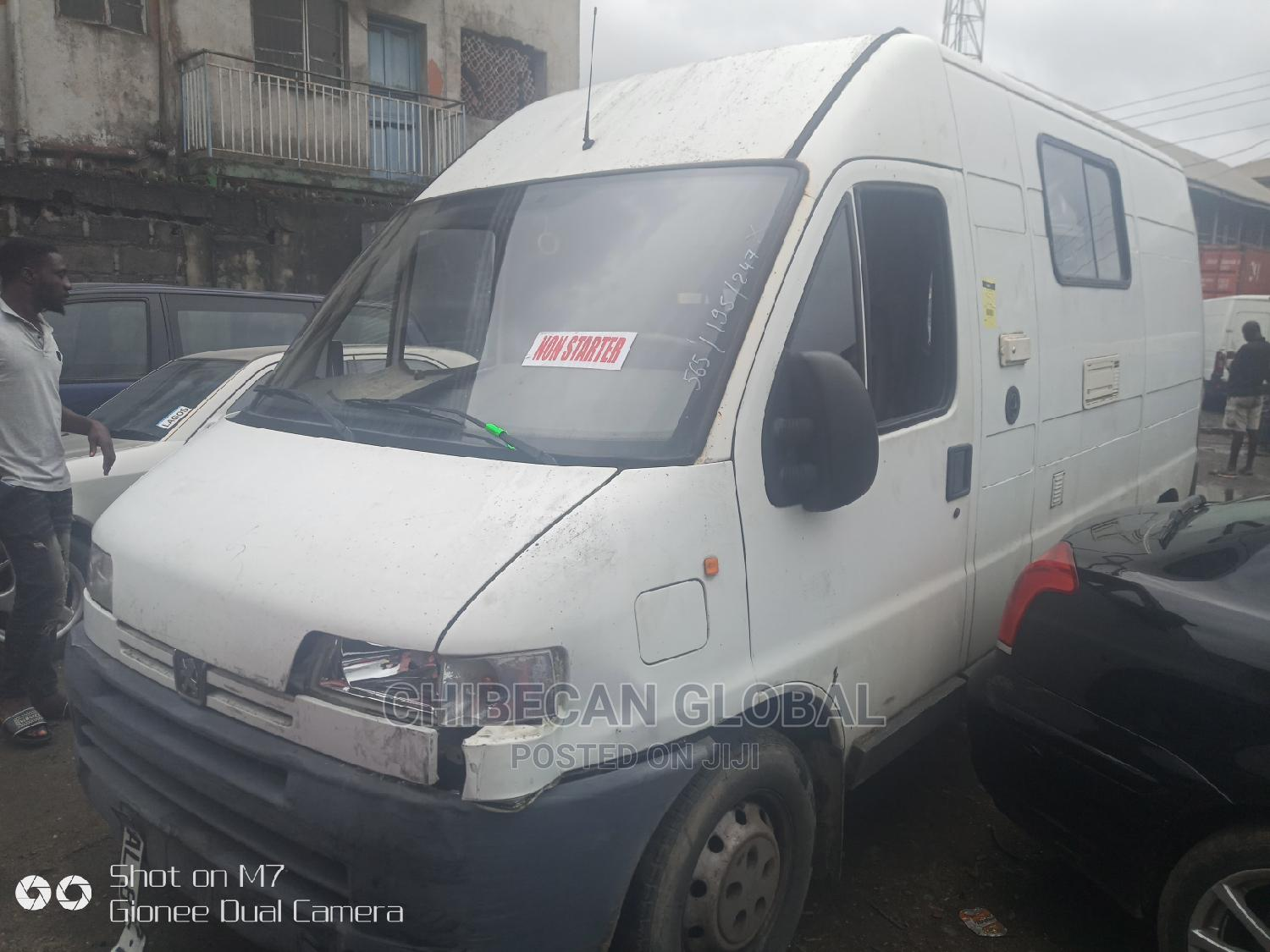 Peugeot Boxer 2004 Tokunbo   Buses & Microbuses for sale in Apapa, Lagos State, Nigeria