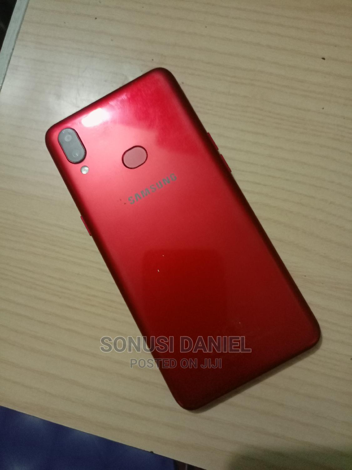 Archive: Samsung Galaxy A10s 32 GB Red