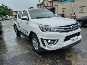 Toyota Hilux 2009 2.7 VVT-i 4X4 SRX White | Cars for sale in Lagos State, Ikeja