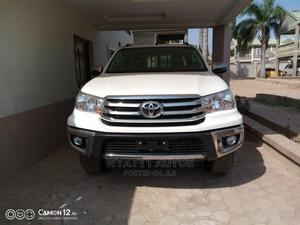 New Toyota Hilux 2019 SR+ 4x4 White | Cars for sale in Abuja (FCT) State, Katampe