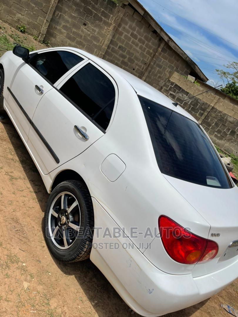 Archive: Toyota Corolla 2004 LE White