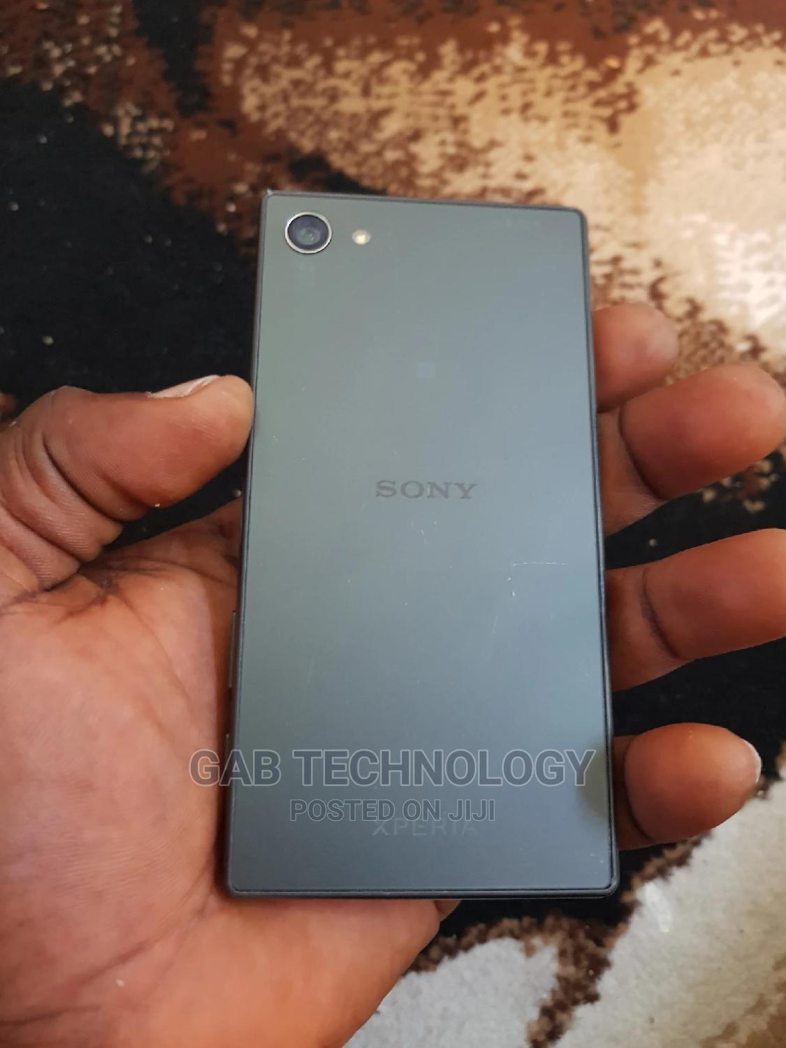 Sony Xperia Z5 Compact 32 GB Black   Mobile Phones for sale in Ikeja, Lagos State, Nigeria