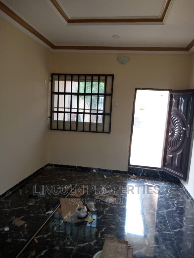 3bdrm House in Idoro Road, Uyo. For Sale