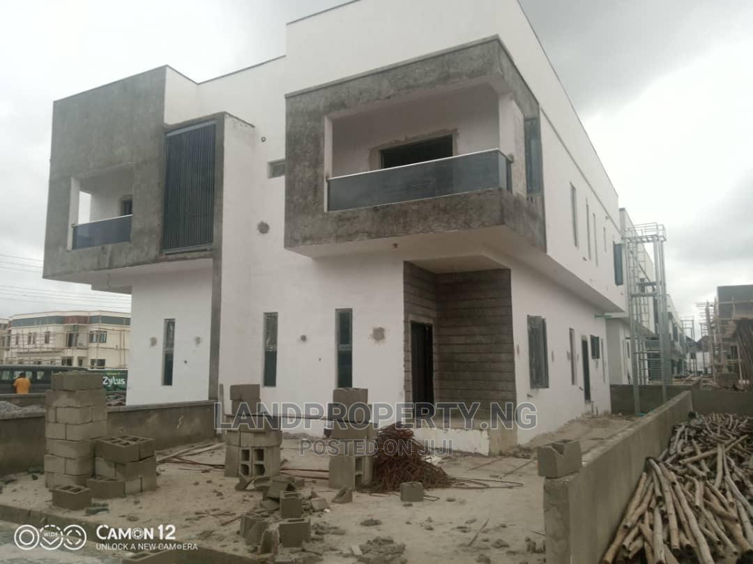 3 Bedroom Semi Detached Duplexes With Bq