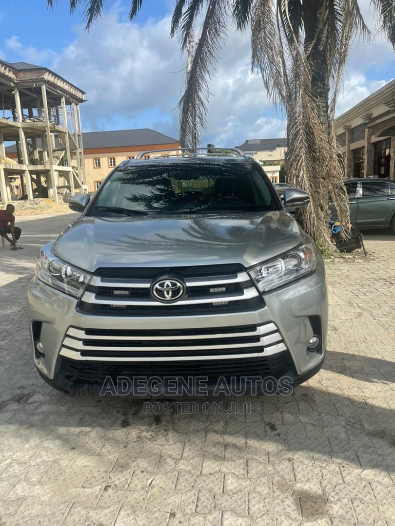 Archive: Toyota Highlander 2016 Silver