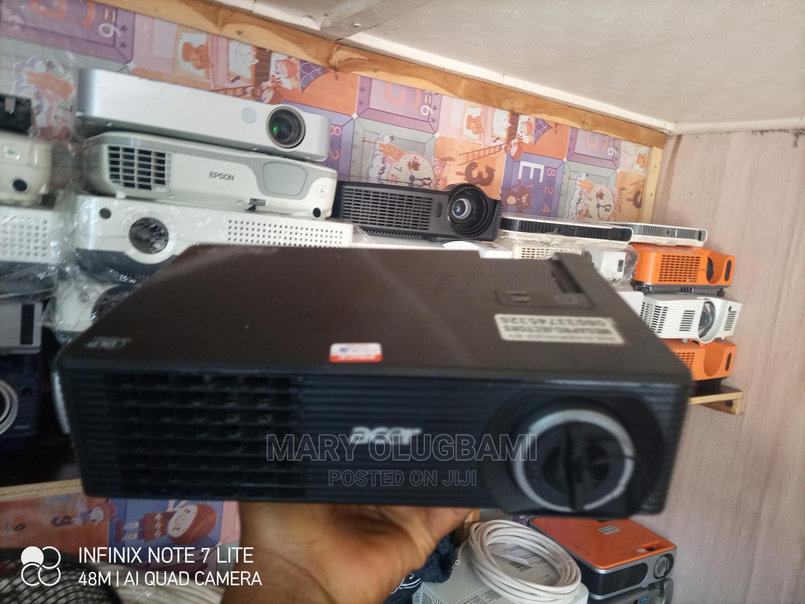 Super Super Bright Acer Projector   TV & DVD Equipment for sale in Ibadan, Oyo State, Nigeria