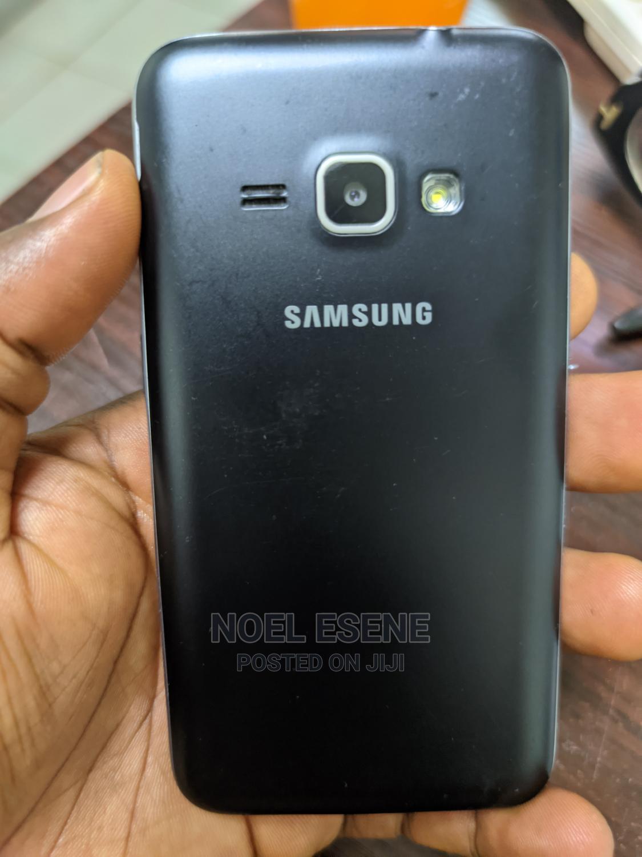 Archive: Samsung Galaxy J1 8 GB Black