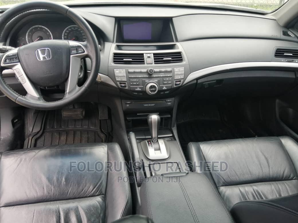 Archive: Honda Accord 2010 Sedan EX V-6 Silver
