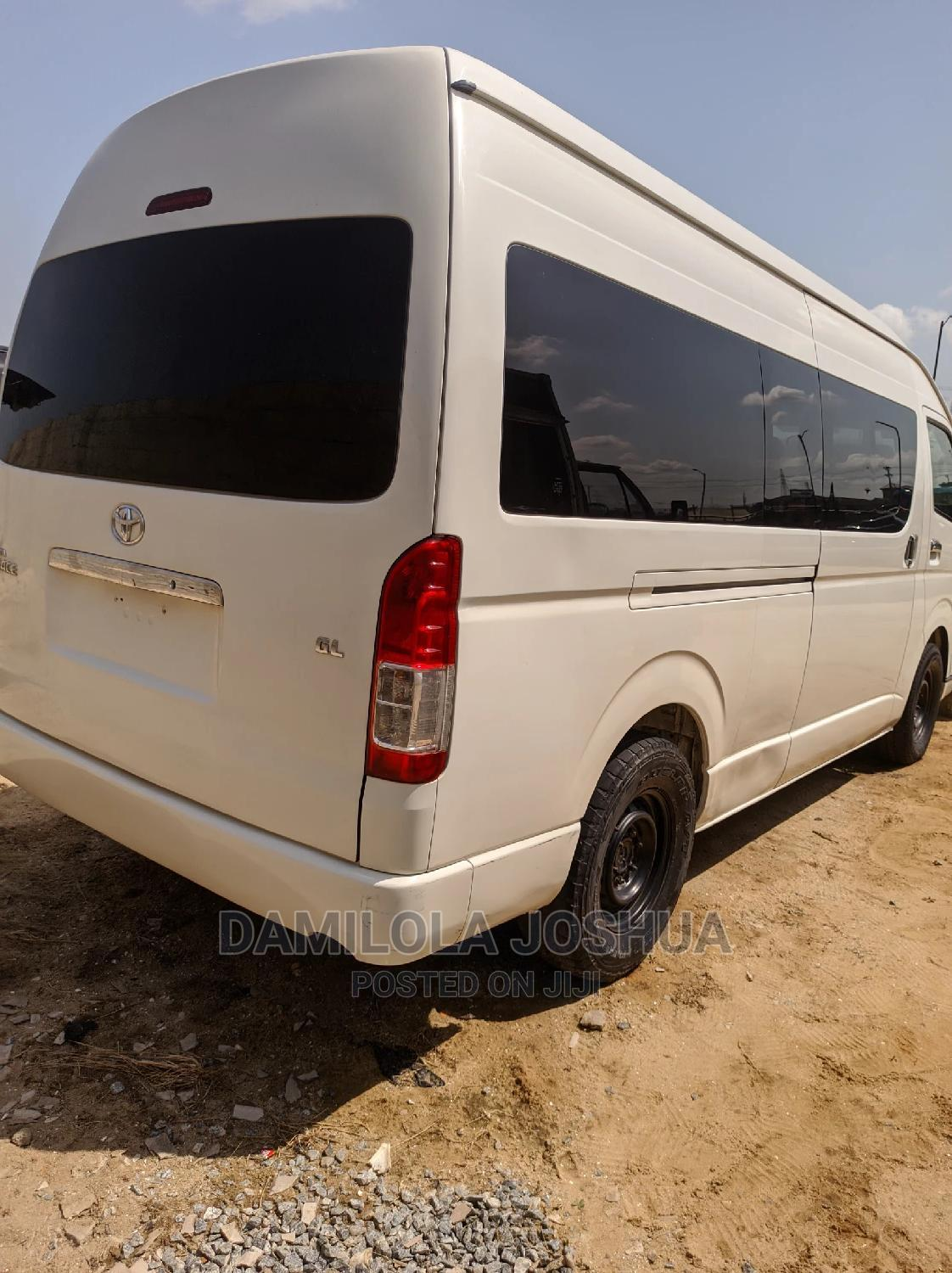 Clean Foreign Used Tokunbo 2016 Toyota Hiace Hummer Bus | Buses & Microbuses for sale in Ogudu, Lagos State, Nigeria