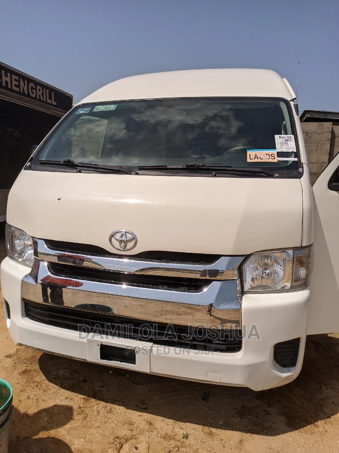 Clean Foreign Used Tokunbo 2016 Toyota Hiace Hummer Bus