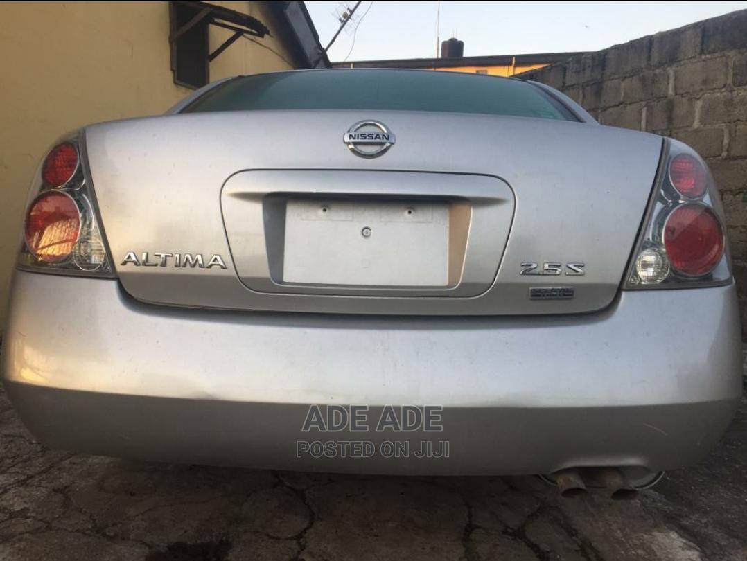 Archive: Nissan Altima 2005 Gray