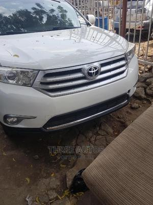 Toyota Highlander 2013 Limited 3.5L 2WD White | Cars for sale in Lagos State, Ojodu