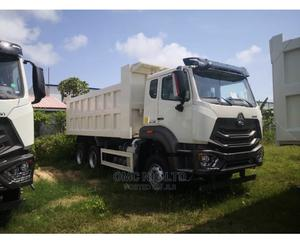 Hohan Sinotruck for Sale | Trucks & Trailers for sale in Lagos State, Ikoyi