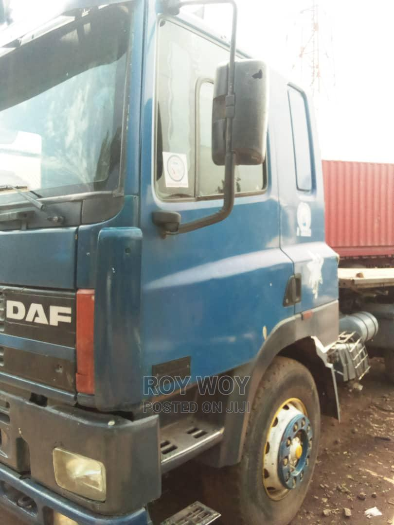 Archive: Sound DAF 85CF With 12tyres Flatbody for Container
