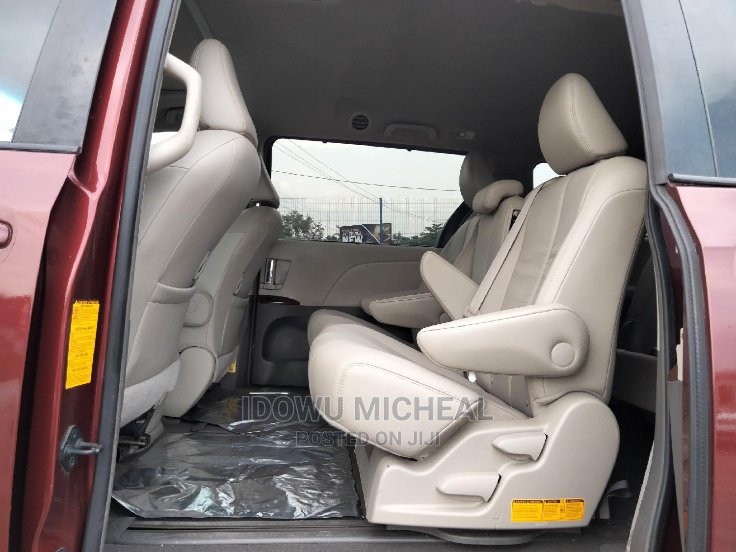 Toyota Sienna 2011 XLE 7 Passenger Red | Cars for sale in Ibadan, Oyo State, Nigeria