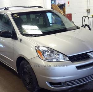 Toyota Sienna 2005 LE AWD Silver | Cars for sale in Abuja (FCT) State, Kubwa