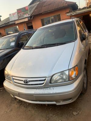 Toyota Sienna 2001 LE Silver   Cars for sale in Lagos State, Ikorodu