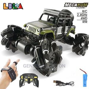 RC Car 2.4ghz 4C Stunt Drift Crawler Dual Remote Control   Toys for sale in Lagos State, Victoria Island