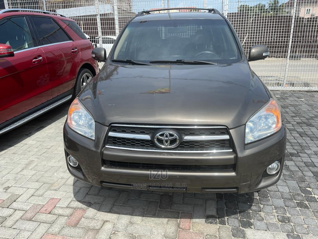 Archive: Toyota RAV4 2009 4x4 Brown