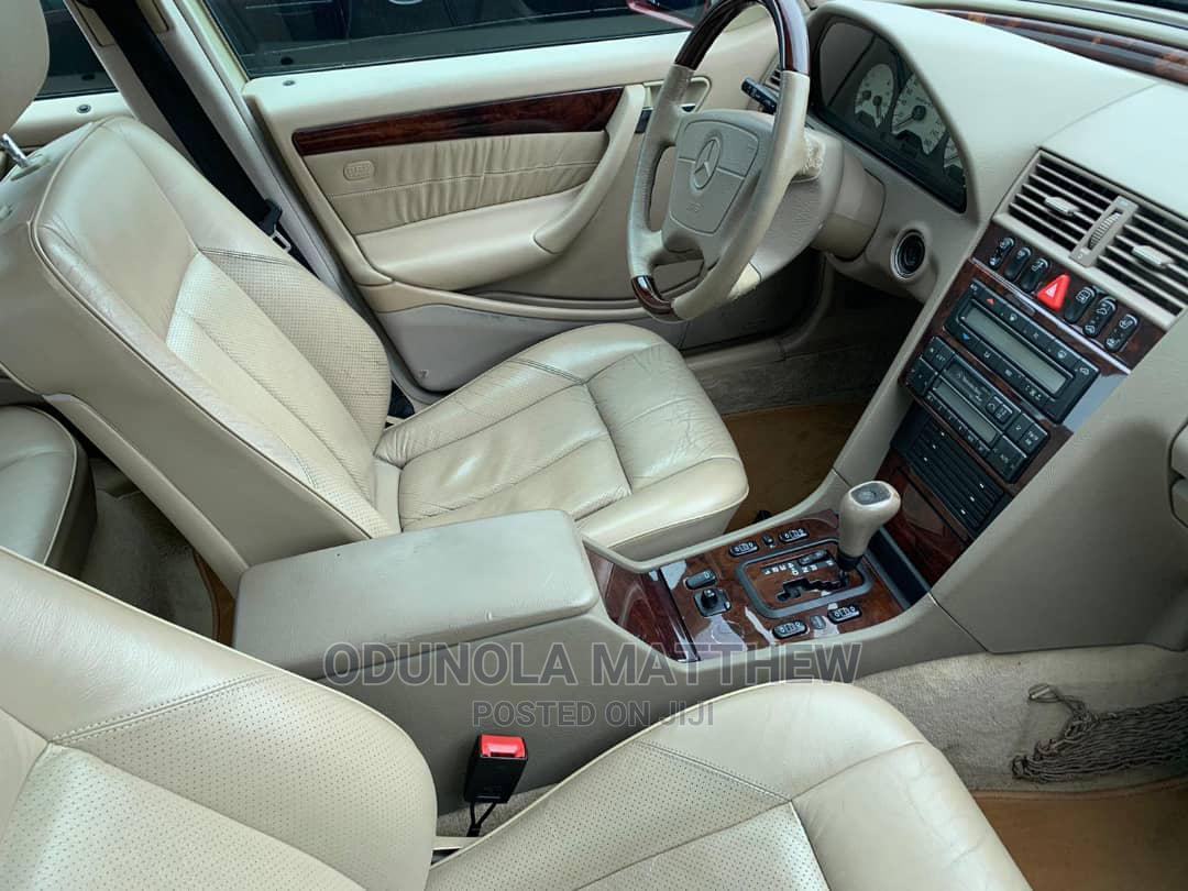 Archive: Mercedes-Benz C280 2000